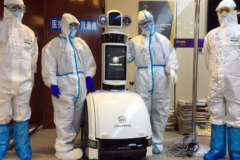 Robot-medico-infermiere-wuhan-coronavirus-covid19